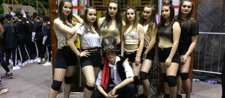 Taneczny sukces uczennic II LO